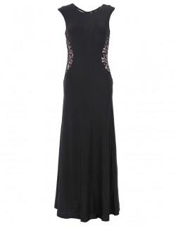 Dlouhé černé šaty s krajkou v bocích na materitní ples