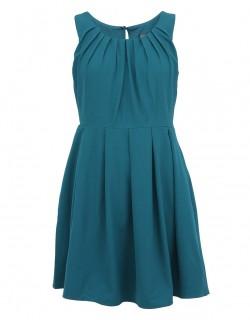 Modré šaty s nařaseným výstřihem